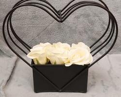 Article 0023 vase noir garni pt