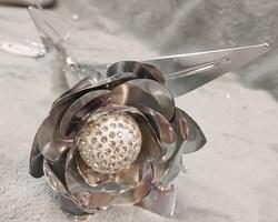 Article 0028 Fleur argentée métallique