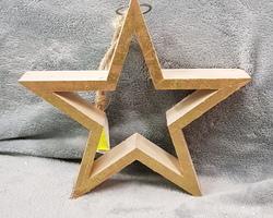 Article 0218 Etoile en bois à suspendre