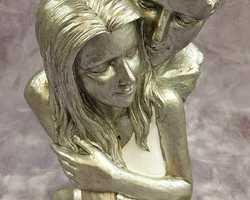 Article 0050 Couple visage enlacé